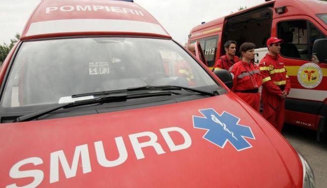 MODA LIVE-URILOR PE FB face alte victime/ Un bărbat și-a transmis în direct tentativa de sinucidere - smurd-1529393890.jpg