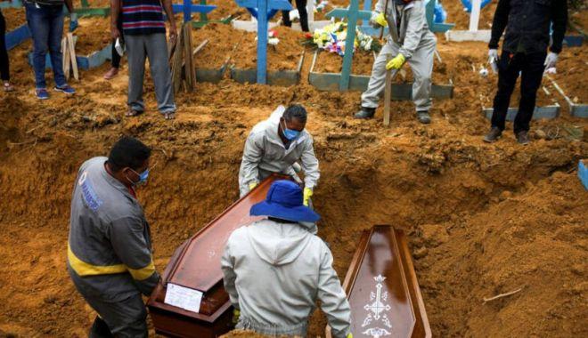Africa de Sud pregătește peste 1,5 milioane de morminte pentru pandemia COVID-19 - soc-1594277436.jpg