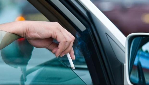 COD RUTIER 2019. Ce amenzi riscă șoferii care aruncă chiștoace pe geamul mașinii - soferiamenzi59872500-1573888046.jpg