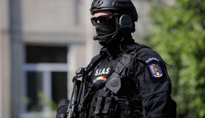 Averi de milioane de lei, blocate în anchetarea evaziunii fiscale și a contrabandei - spalarebani-1620143045.jpg