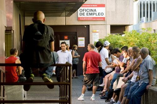 Spaniolii își părăsesc țara, de frica crizei - spaniamunca-1346778647.jpg