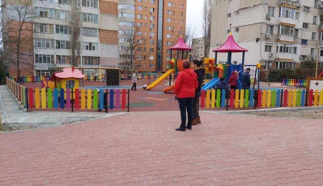 Spațiu de joacă sigur și modern pe strada Adamclisi - spatiudejoaca-1580764173.jpg