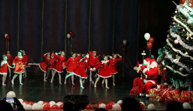 """Foto: Spectacol la Casa de Cultură: """"Moș Crăciun este sportiv"""""""