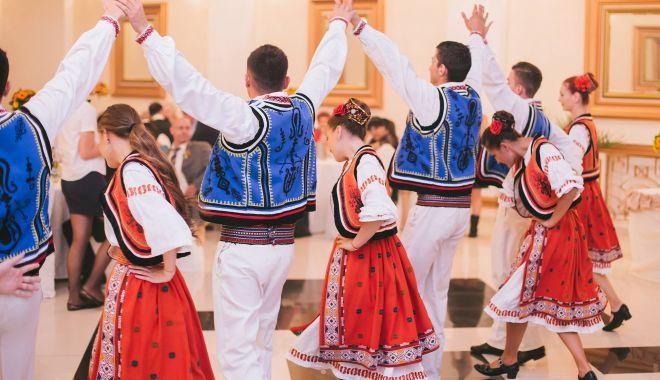"""Foto: """"Dobrogea, un festival de obiceiuri, tradiții și gusturi"""". Spectacole inedite la Pavilionul din Mamaia"""