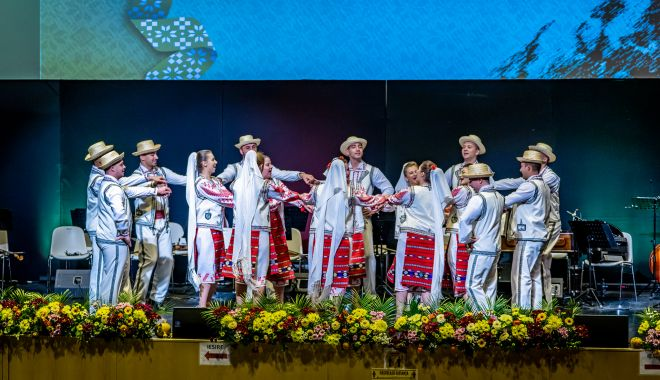 Spectacol extraordinar de folclor, organizat la Constanţa - spectacolextraordinar-1620914420.jpg