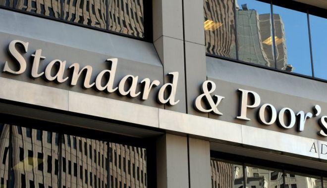 Standard & Poor's reconfirmă rating-ul de perspectivă stabilă al României - standardpoor8217sreconfirma-1552857391.jpg