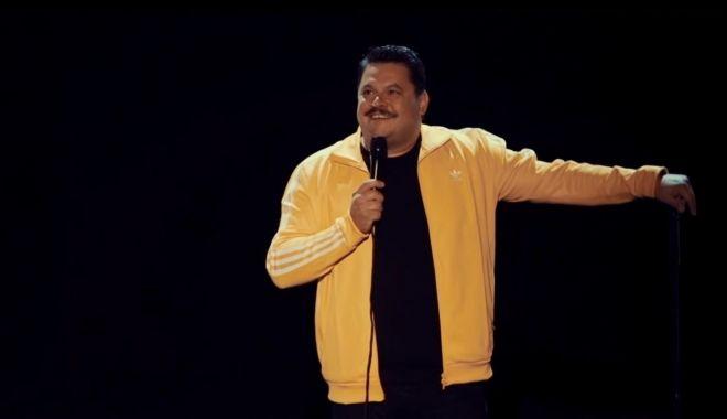 Foto: Un nou show de stand-up comedy la malul mării