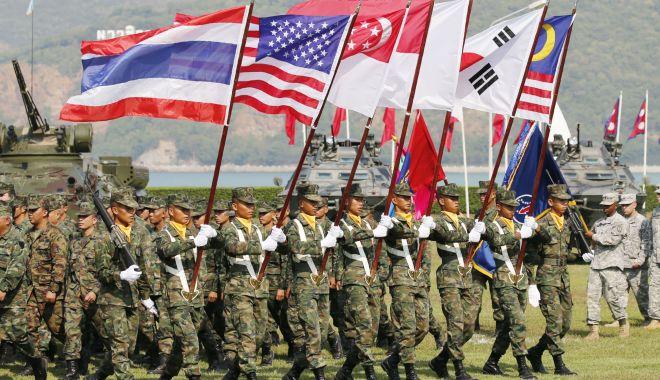 Foto: Statele Unite încep manevre militare comune cu 10 țări din sud-estul Asiei