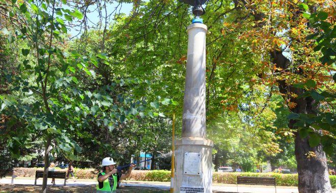 Primăria Municipiului Constanța a început lucrări de reparații și întreținere a statuilor din oraș - statui2-1596702256.jpg