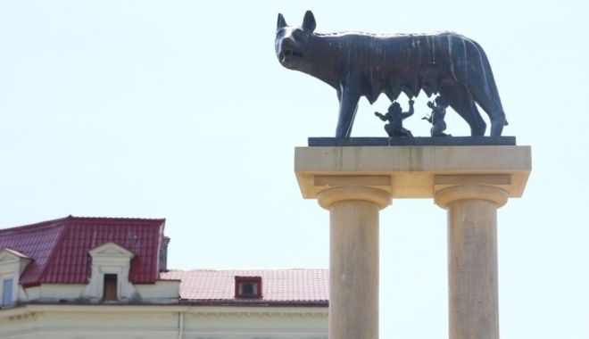 Statuia de la Lupoaică, refăcută. Mai multe monumente din Constanța vor fi restaurate - statuiadelalupoaica2-1589732396.jpg