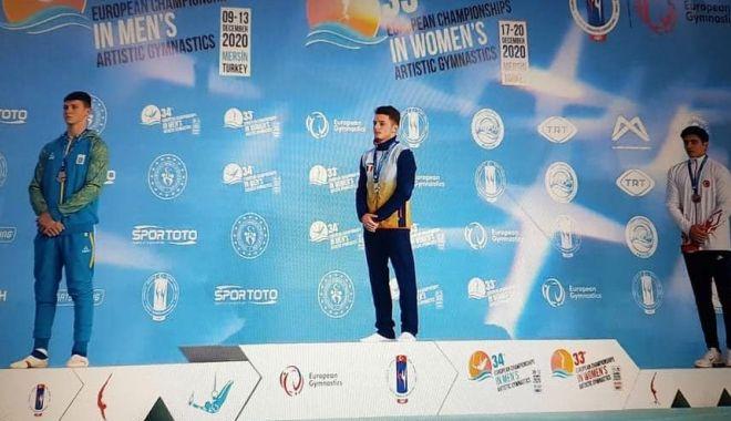 Stofă de campion. Gabriel Burtănete, medaliat cu aur la Europene - stofa-1607870127.jpg