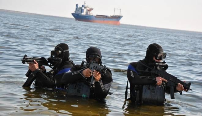 Foto: Navele militare românești în alertă. Submarine inamice, căutate  în Marea Neagră