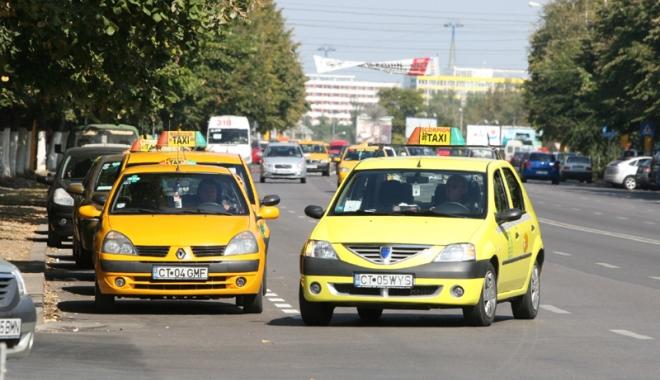 Taximetriștii din Constanța, marș de protest - sus-1513013290.jpg