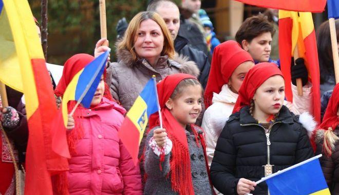 La mulți ani, România! La mulți ani, dragi români! 1 Decembrie 1918 - Ziua Marii Uniri a românilor - sus2-1606761752.jpg