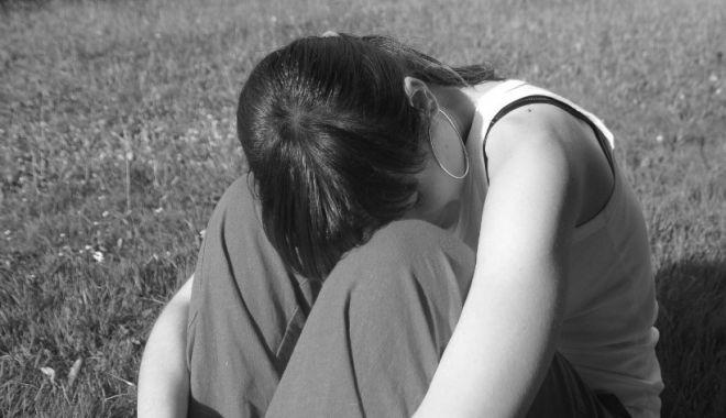 Tânără din Timişoara, filmată când îşi înşela soţul pe marginea unui drum din Ghiroda - tanara-1631623908.jpg