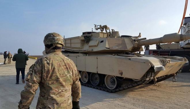 Tancurile și soldații americani au sosit la Constanța. Cât vor sta yankeii în țară - tancurile-1487092990.jpg