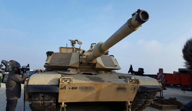Tancurile și soldații americani au sosit la Constanța. Cât vor sta yankeii în țară - tancurile1-1487093004.jpg