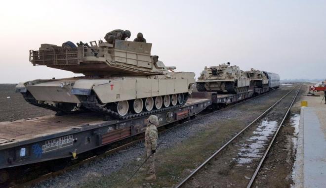 Foto: Tancurile și soldații americani au sosit la Constanța. Cât vor sta yankeii în țară