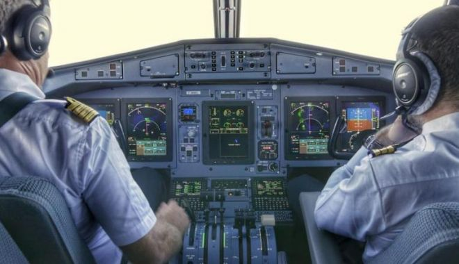 Foto: Un pilot de la Tarom, infectat cu coronavirus