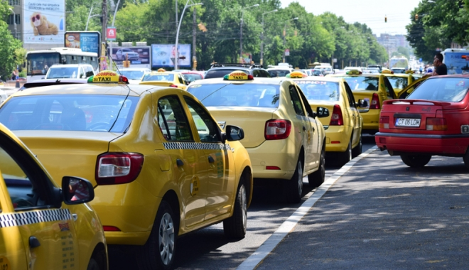 Taximetriștii din Constanța, marș de protest - taximetristii1-1513013304.jpg