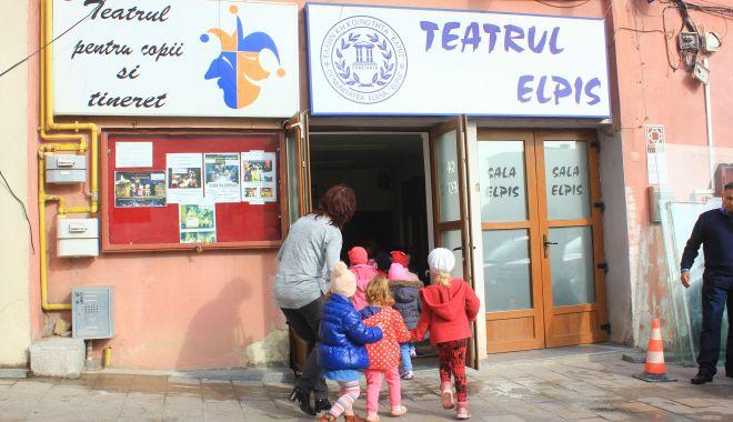 Foto: Teatrul de Copii și-a anulat spectacolele