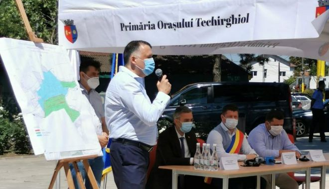 """Foto: Orașul Techirghiol se racordează la rețeaua de gaze. """"A fost o promisiune la început de mandat"""""""