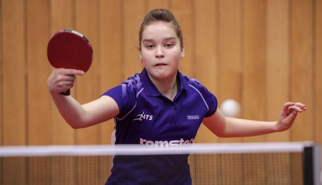 Foto: Juniorii români luptă la Openul Croației la tenis de masă