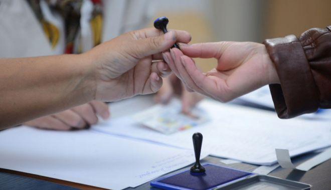 Foto: Termenul pentru înscrierea românilor în Registrul electoral ar putea fi extins