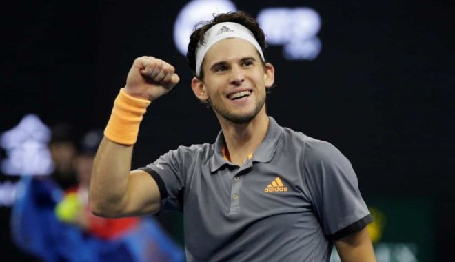 Foto: Dominic Thiem a triumfat la un demonstrative pe iarbă