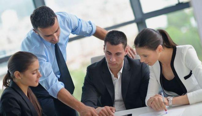 Salariile la privat vor creşte cu 8,1% în 2022 - tineribirou-1633946875.jpg