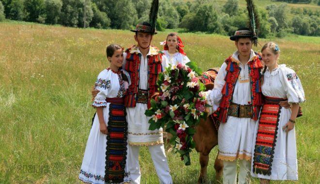 Rusalii 2020: Tradiții, obiceiuri și superstiții. Ce nu trebuie să faci astăzi - tradi539iiderusalii-1591517119.jpg