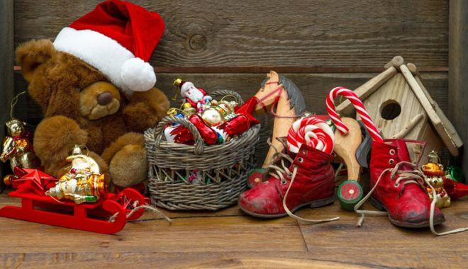 """Foto: Tradiții și obiceiuri de Sfântul Nicolae. """"Moșul cel bun"""" aduce multe daruri"""