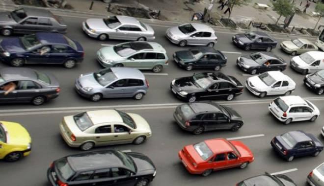 Foto: Atenție, șoferi! Trafic îngreunat în zona Maritimo, pe bulevardul Aurel Vlaicu