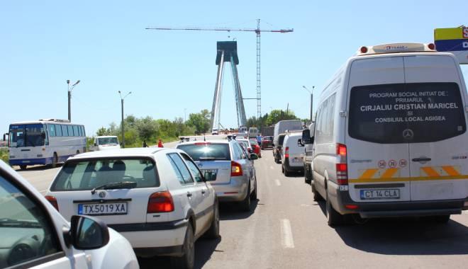 Foto: TRAFIC INFERNAL în zona Agigea. Vin mii de turiști