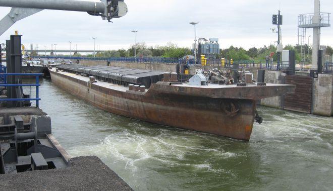 Foto: Cerealele sârbești, ungurești și bulgărești domină traficul de mărfuri pe Canalul Dunăre - Marea Neagră
