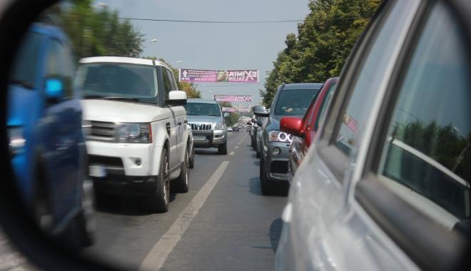 Foto: Atenție, constănțeni! Trafic îngreunat pe strada Nicolae Iorga. Se lucrează la o conductă de apă