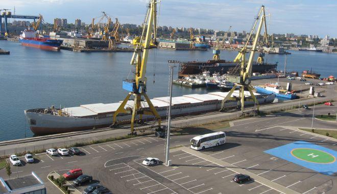 Traficul de mărfuri din portul Constanța plătește tribut pandemiei Covid-19 - traficuldemarfuridinportulconsta-1599486293.jpg