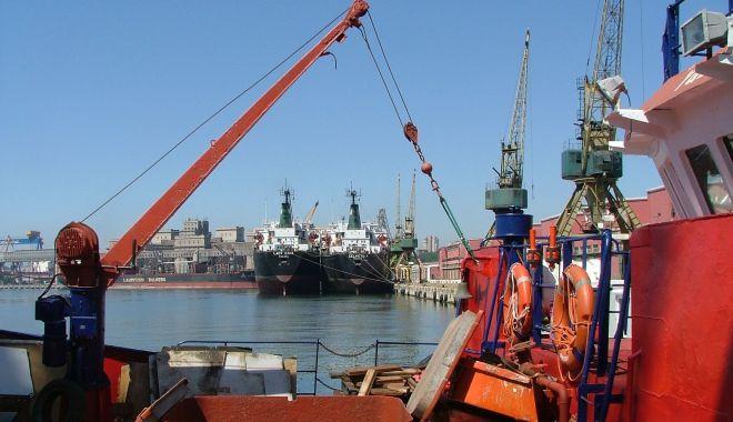 Foto: Traficul de mărfuri din porturile maritime românești resimte efectul pandemiei Covid-19