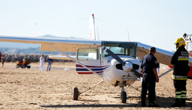Incident înfiorător. Un bărbat și o fetiță, zdrobiți de un avion care a aterizat forțat - tragedieaviatica2morti-1501762829.jpg