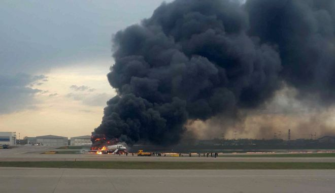 Foto: Tragedie pe cel mai mare aeroport din Rusia. Cel puțin 41 de oameni au murit