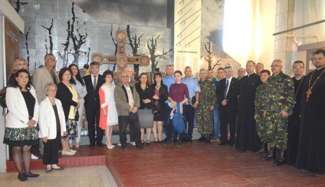 """Foto: Traian Petcu a donat o troiță Muzeului Militar Național """"Regele Ferdinand l"""""""