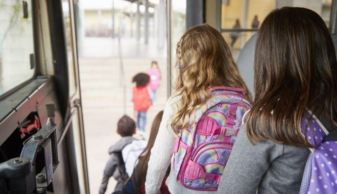 Când va fi decontat transportul elevilor?