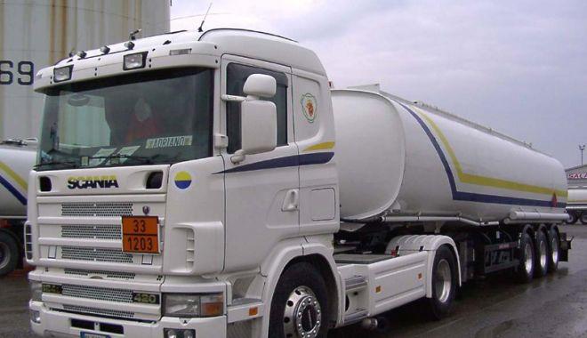Foto: Transportatorii de mărfuri periculoase, avertizați de inspectorii ITM