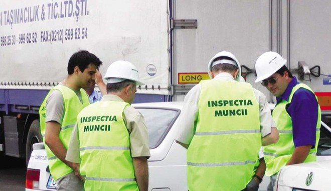 Foto: Transportatorii auto, controlați de inspectorii de muncă