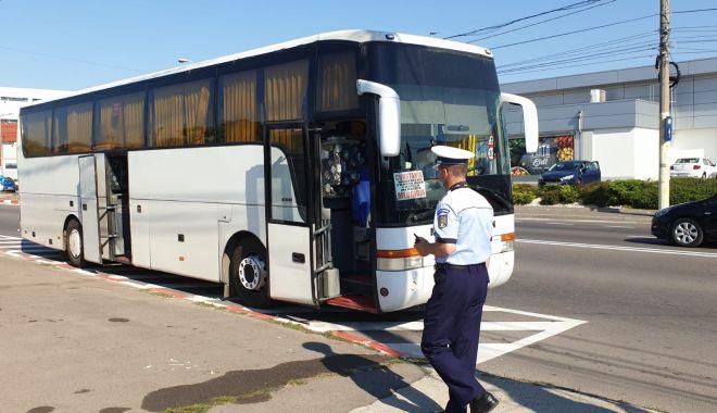 Foto: Controale drastice pe transportul în comun. Poliția a dat sute de sancțiuni!