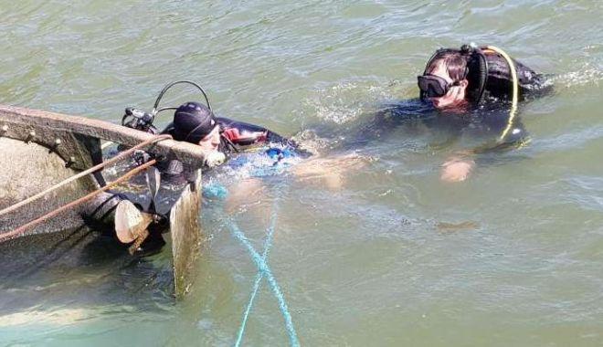 Foto: Bărbatul dispărut în Dunăre, recuperat de scafandri