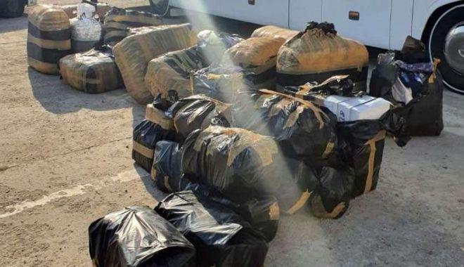 Foto: Mii de produse contrafăcute, reținute la frontieră