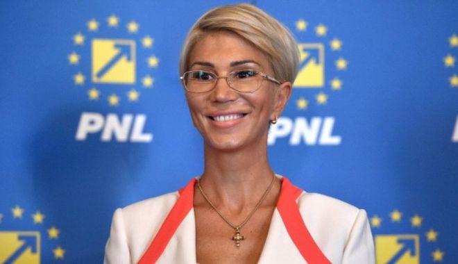 Afirmaţie promptă a vicepremierului Raluca Turcan - turcanonline-1603808405.jpg
