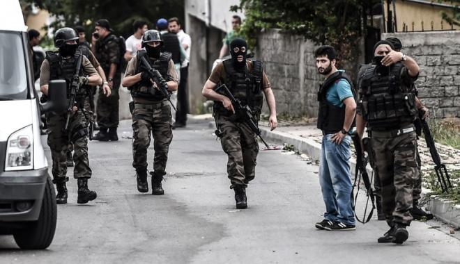 Foto: Turcia, zguduită de un nou atentat. Explozie puternică lângă un autobuz plin cu civili și militari
