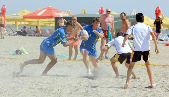 "Foto: Turneul ""Oval 5 Beach Rugby Romania"", pe plaja ""Cleopatra"""